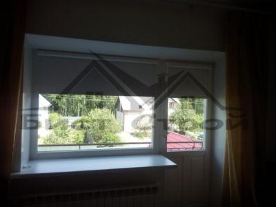 Рулонные шторы в коттедже