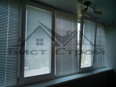 Горизонтальные жалюзи на окно