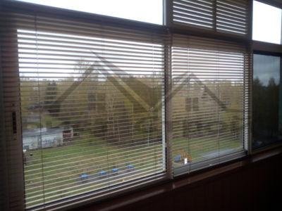 Жалюзи на раздвижных окнах